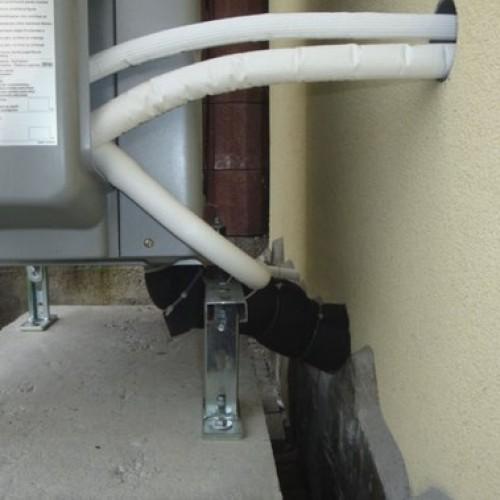 Zabezpiecz odpływ ciepła – jak prawidłowo wykonać montaż drzwi?
