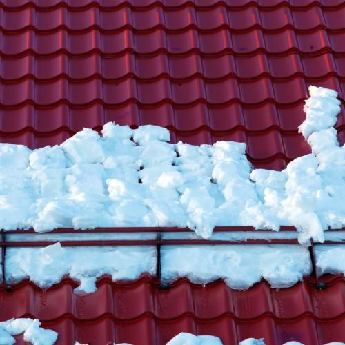 Drabinki przeciwśniegowe – niezbędny element każdego dachu czy niepotrzebny wydatek?