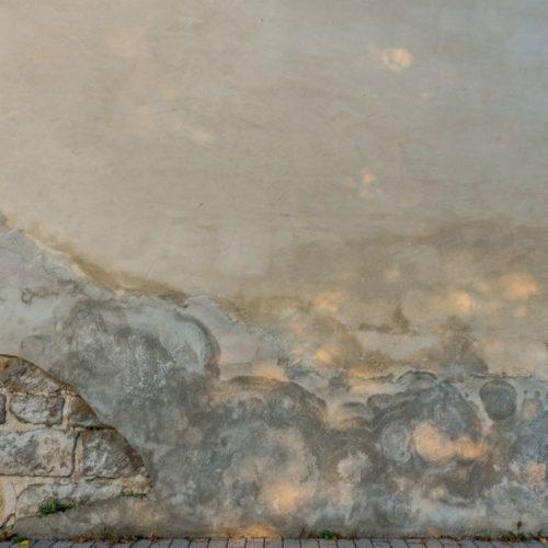 Jak osuszyć mury metodą iniekcji? Poradnik krok po kroku