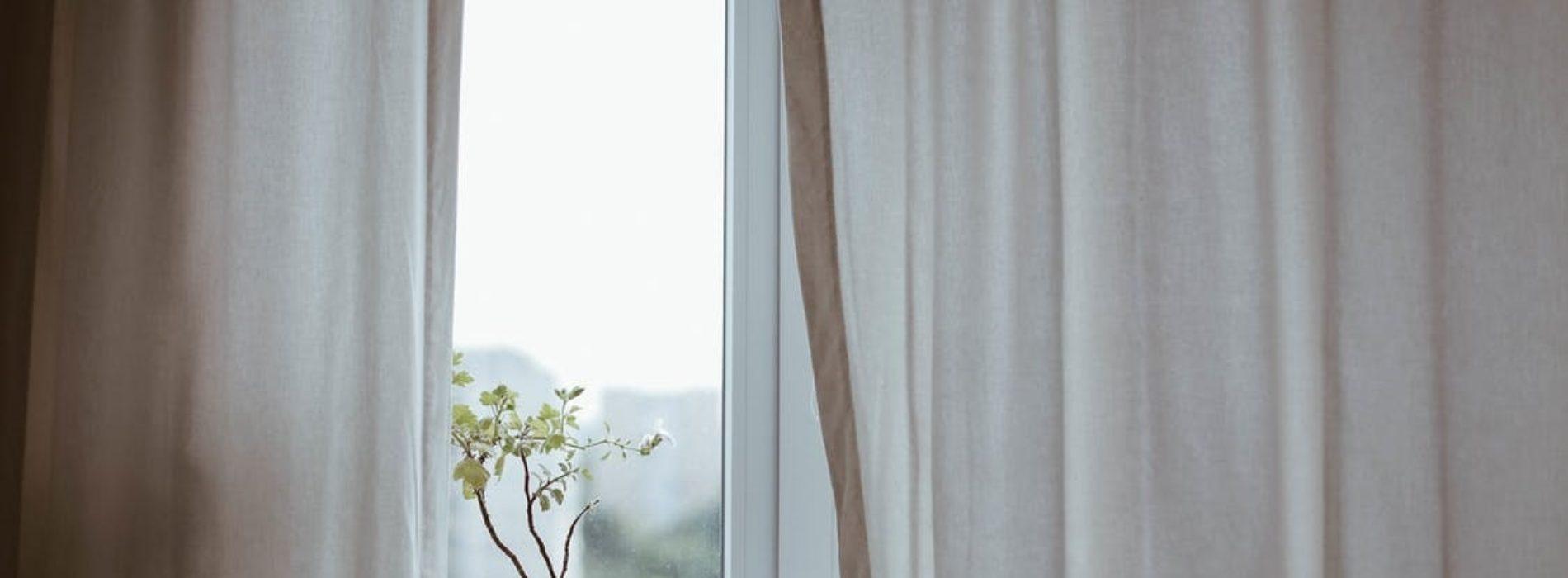 Okna drewniano-aluminiowe – czy warto w nie zainwestować?