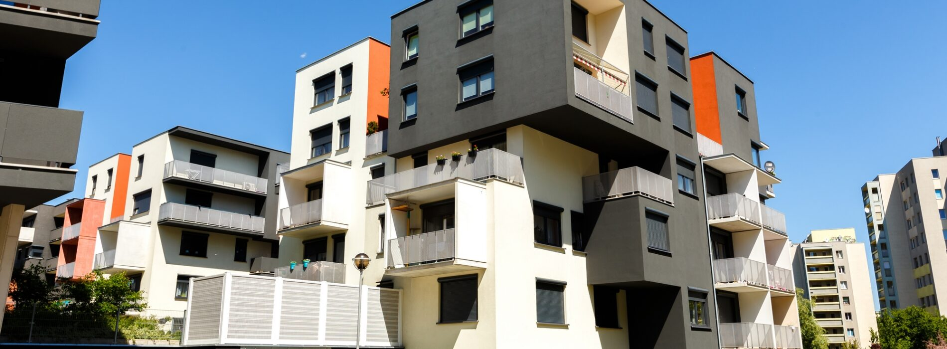 Dom, czy jednak mieszkanie – co opłaca się bardziej?