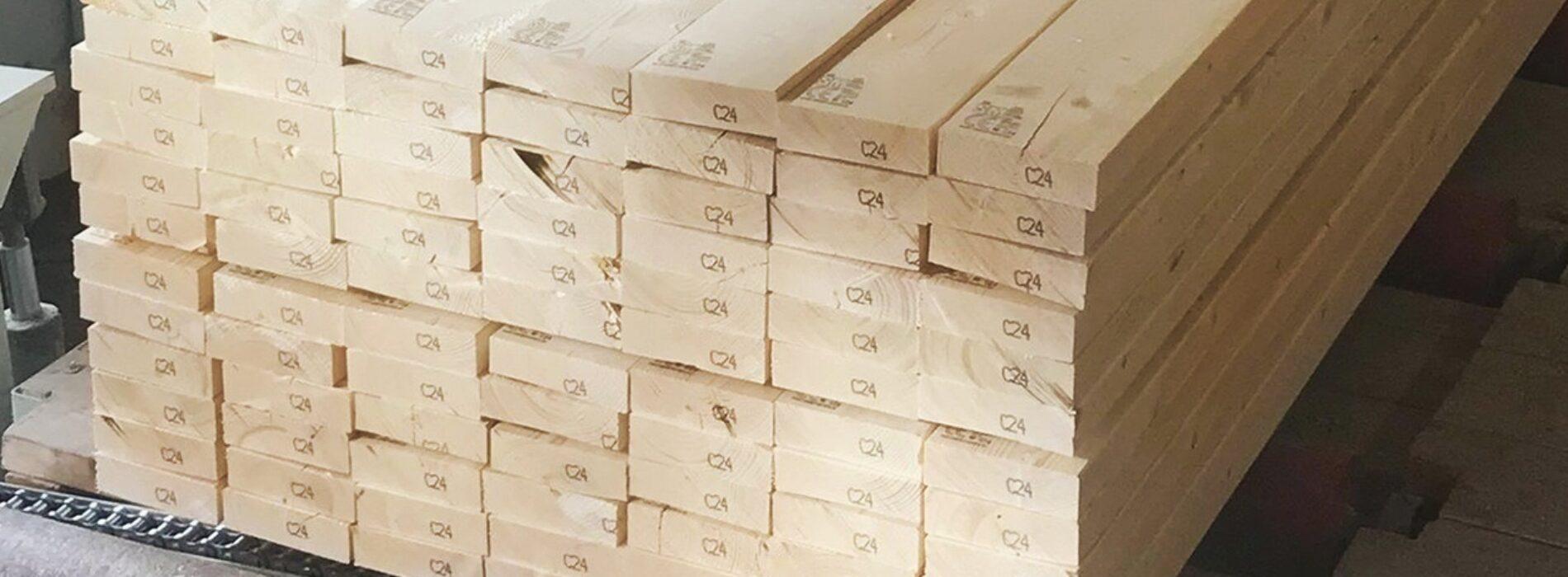 Jakie gatunki drewna konstrukcyjnego są najlepsze? Przegląd dostępnych wariantów